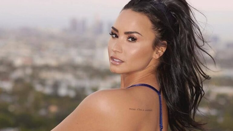 Demi Lovato – Body Measurements – Height – Weight – Eye Color