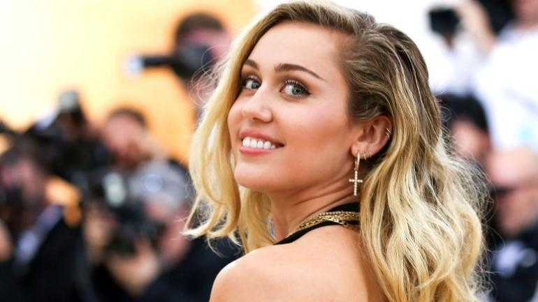Miley Cyrus – Body Measurements – Height – Weight – Eye Color – Wiki