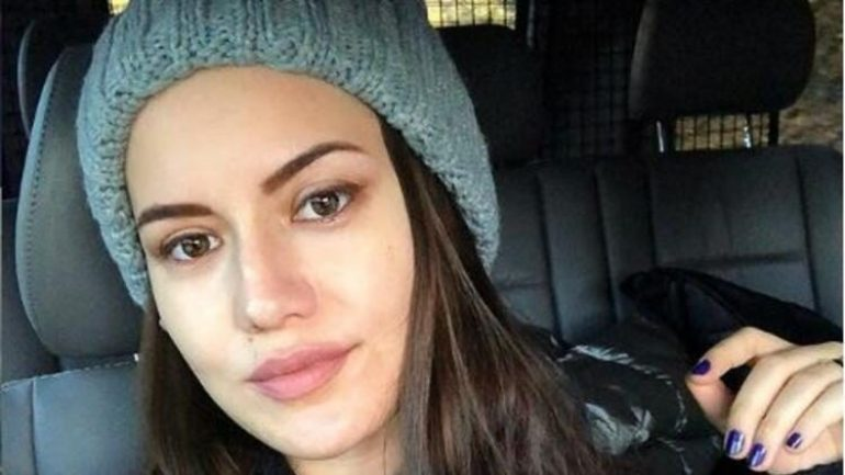 Fahriye Evcen – Body Measurements – Height – Weight – Eye Color