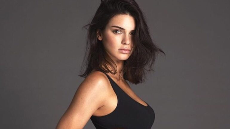 Kendall Jenner – Body Measurements – Height – Weight – Eye Color