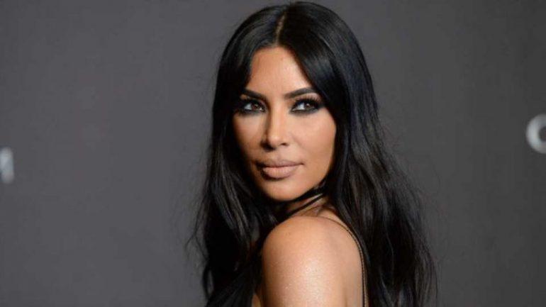Kim Kardashian – Body Measurements – Height – Weight – Eye Color