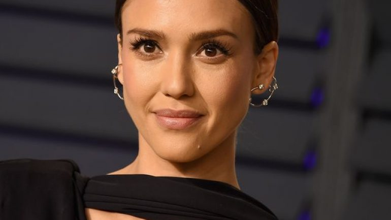 Jessica Alba – Body Measurements – Height – Weight – Eye Color
