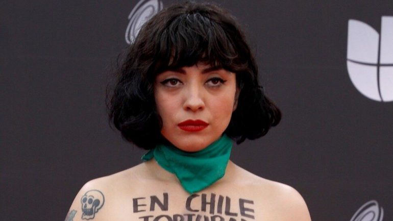 Mon Laferte – Body Measurements – Height – Weight – Eye Color