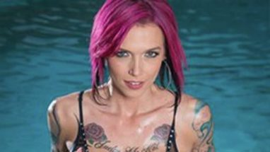 Anna Bell Peaks – Body Measurements – Height – Weight – Eye Color