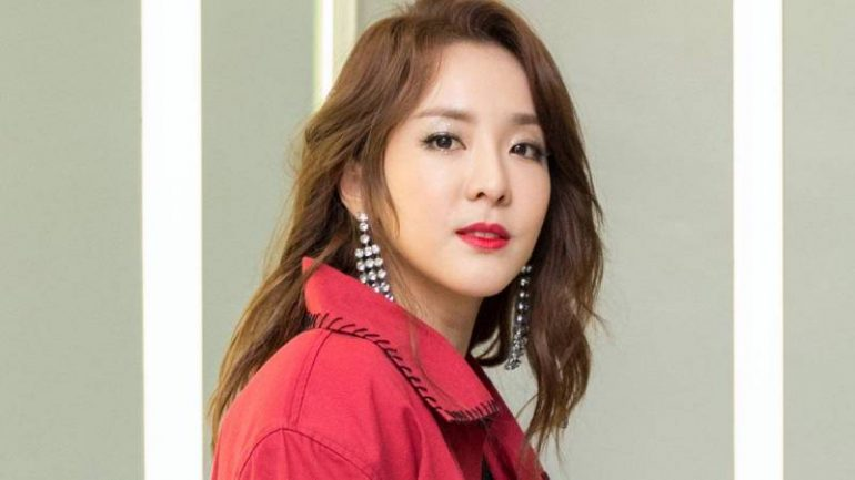 Sandara Park – Body Measurements – Height – Weight – Eye Color