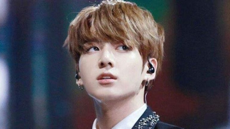BTS Jungkook – Height – Weight – Eye Color
