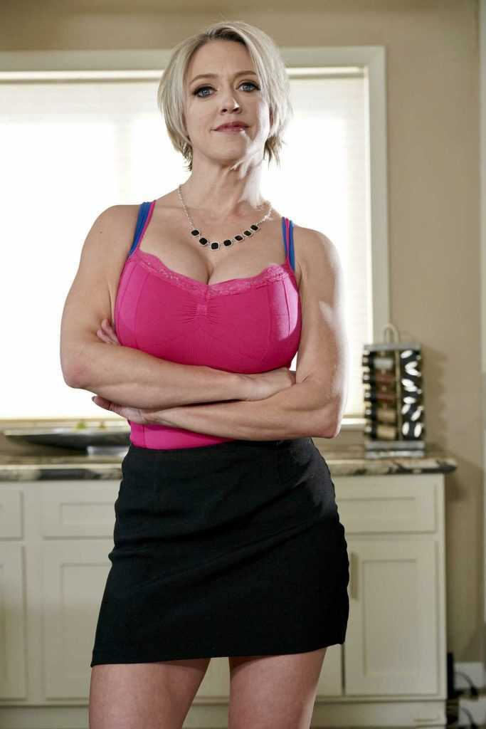 Dee Williams Actress