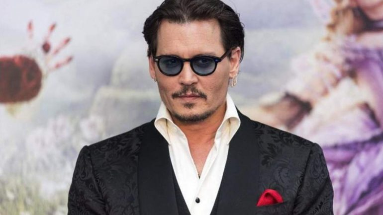 Johnny Depp – Height – Weight – Body Measurements – Eye Color