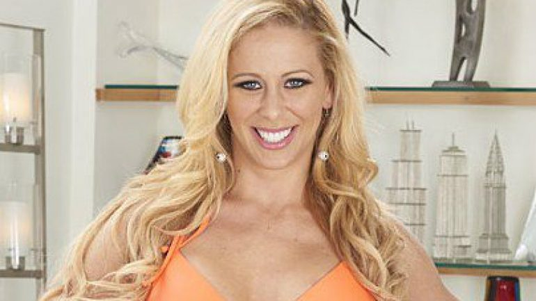 Cherie DeVille – Height – Weight – Body Measurements – Eye Color
