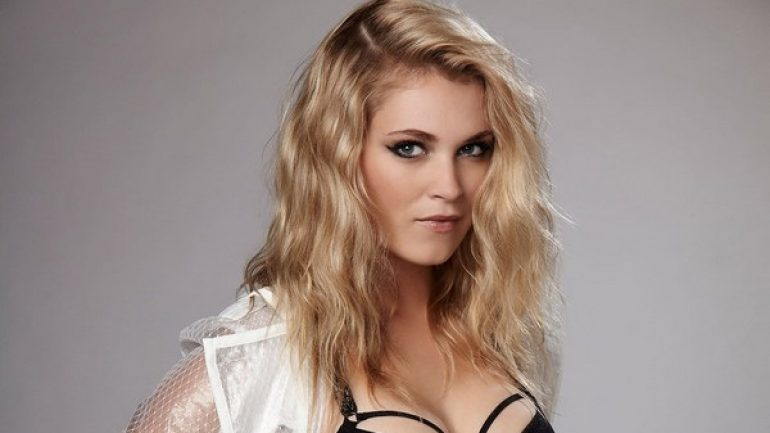 Eliza Taylor – Height – Weight – Body Measurements – Eye Color
