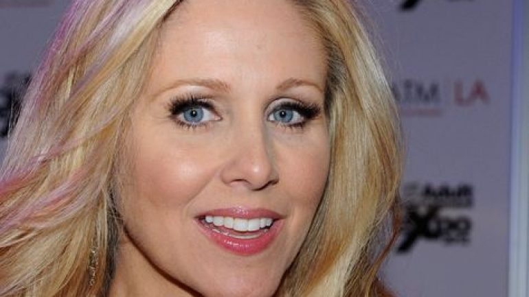 Julia Ann – Height – Weight – Body Measurements – Eye Color
