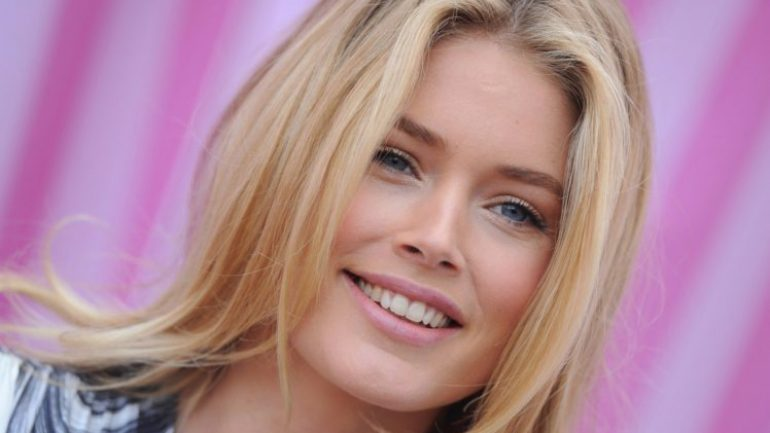 Camille Rowe – Height – Weight – Body Measurements – Eye Color – Wiki
