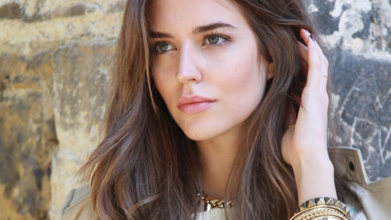 Clara Alonso – Height – Weight – Body Measurements – Eye Color