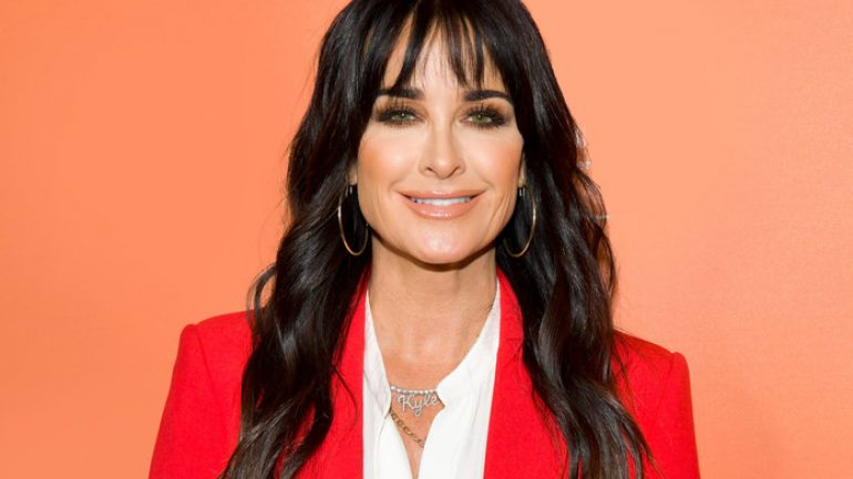 Kyle Richards – Height – Weight – Body Measurements – Eye Color