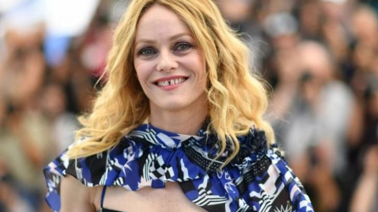Vanessa Paradis – Height – Weight – Body Measurements – Eye Color