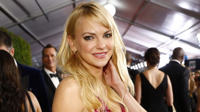 Anna Faris – Height – Weight – Body Measurements – Eye Color