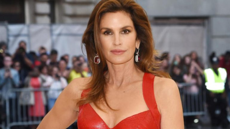 Cindy Crawford – Height – Weight – Body Measurements – Eye Color