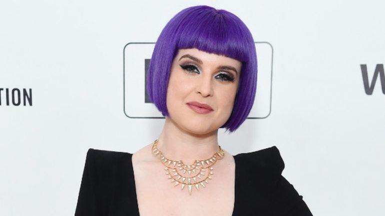 Kelly Osbourne – Height – Weight – Body Measurements – Eye Color