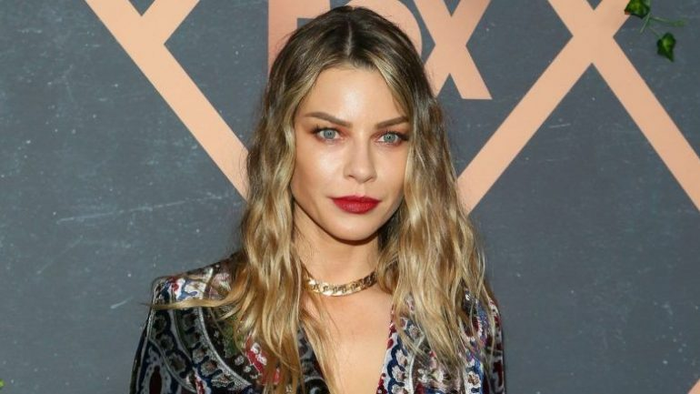 Lauren German – Height – Weight – Body Measurements – Eye Color