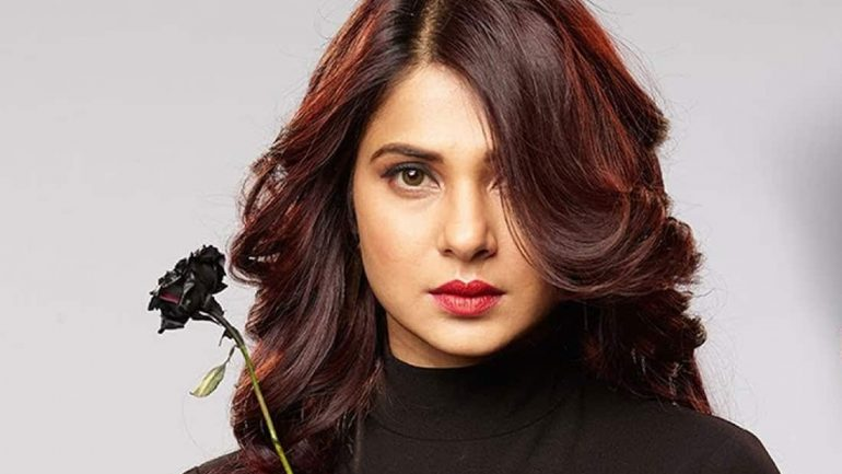 Jennifer Winget – Height – Weight – Body Measurements – Eye Color