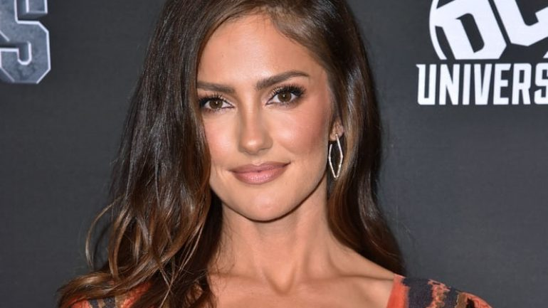Minka Kelly – Height – Weight – Body Measurements – Eye Color
