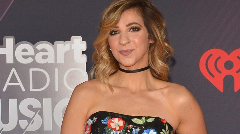 Gabbie Hanna – Height – Weight – Body Measurements – Eye Color