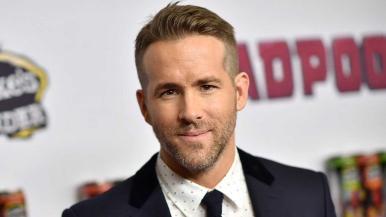 Ryan Reynolds – Height – Weight – Body Measurements – Eye Color