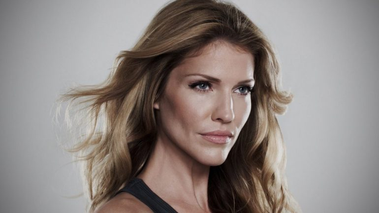 Tricia Helfer – Height – Weight – Body Measurements – Eye Color