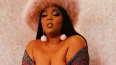 Lizzo – Height – Weight – Body Measurements – Eye Color