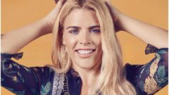 Busy Philipps – Height – Weight – Body Measurements – Eye Color