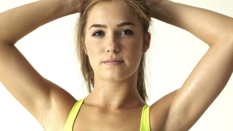 Haley Lu Richardson – Height – Weight – Body Measurements – Eye Color