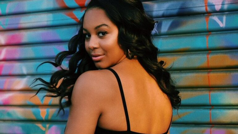 Nia Sioux – Height – Weight – Body Measurements – Eye Color