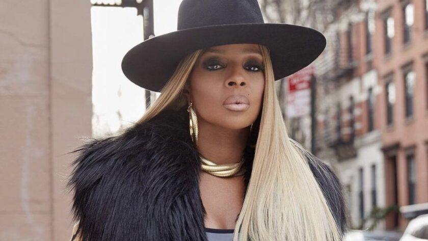 Mary J. Blige – Height – Weight – Body Measurements – Eye Color