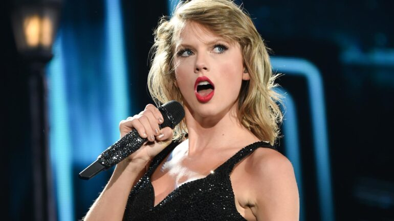 Taylor Swift Facts, Biography, Favorite Things, Boyfriends, Favorite Color