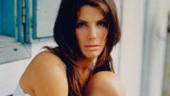 Sandra Bullock Height – Weight – Body Measurements – Eye Color