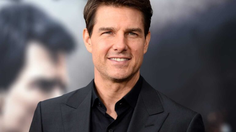 Tom Cruise Height – Weight – Body Measurements – Eye Color